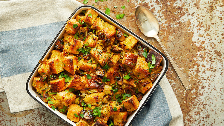 Vegan Stuffing with Mushrooms and Leeks