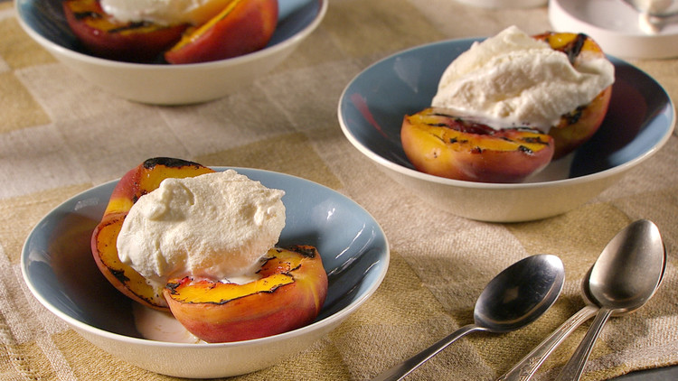 simple-grilled-peaches-mhlb2002.jpg