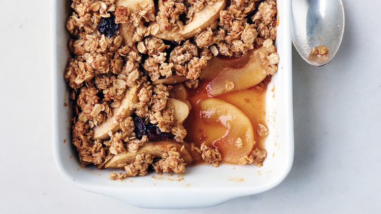 apple-oat-crisp-02-58678-md110320.jpg