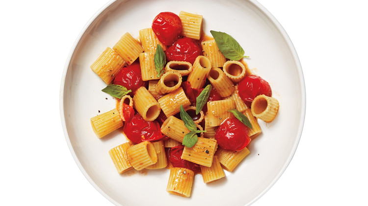 pasta-tomatoes-pepper-032-d111636.jpg