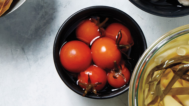 tomatoes-pickled-404-d111614-0915.jpg