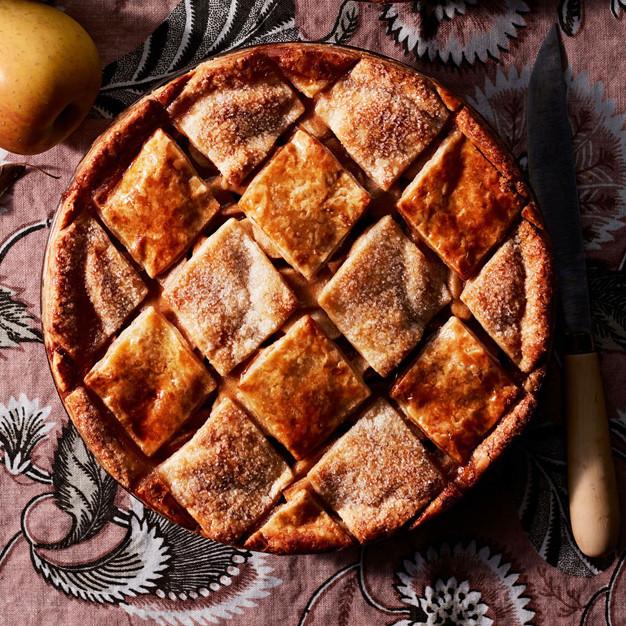 decorative tile double-crust apple pie