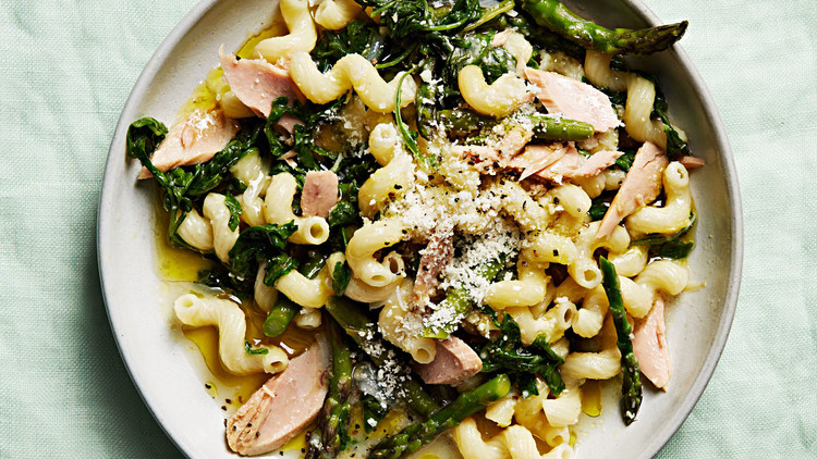 one-pan creamy tuna pasta
