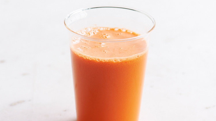 carrot-apple-juice-146-ld111042-0514.jpg