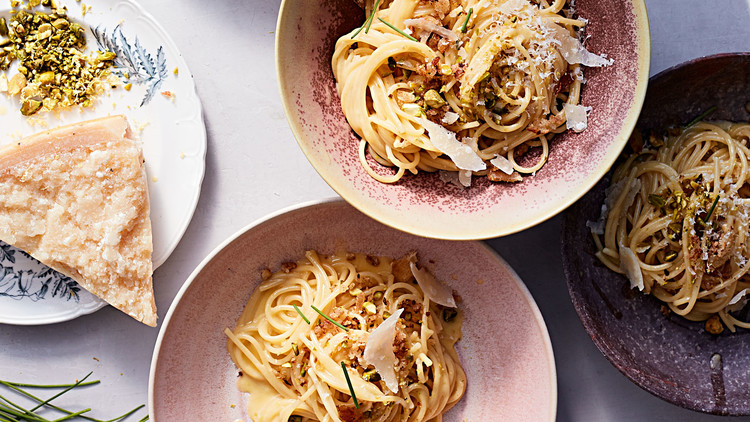 creamy lemon pasta with pistachio