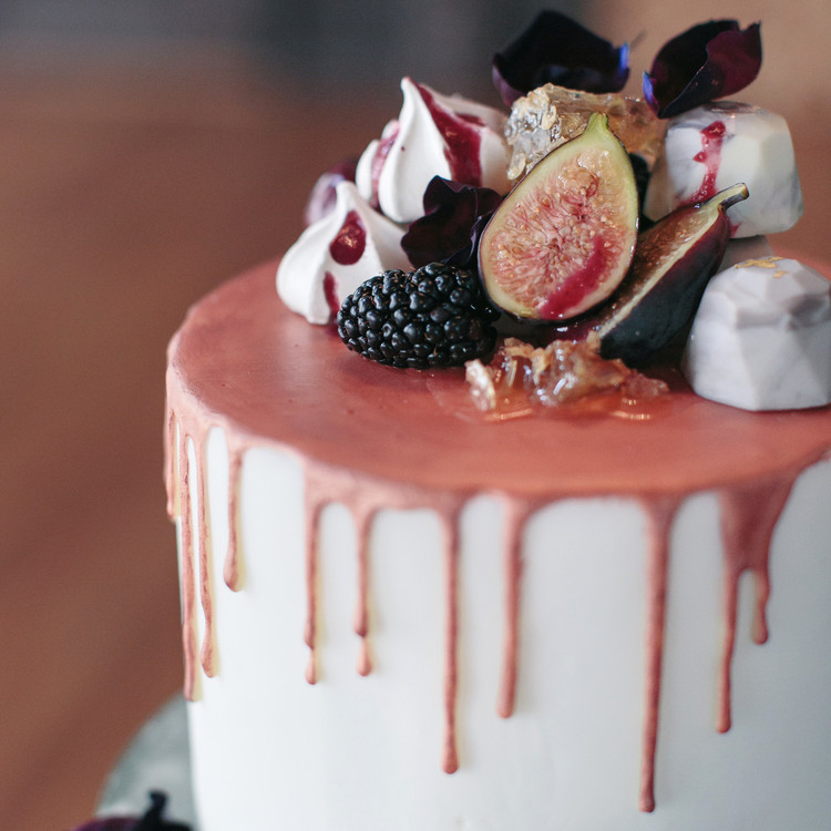 halloween rose gold dinner party cake dessert