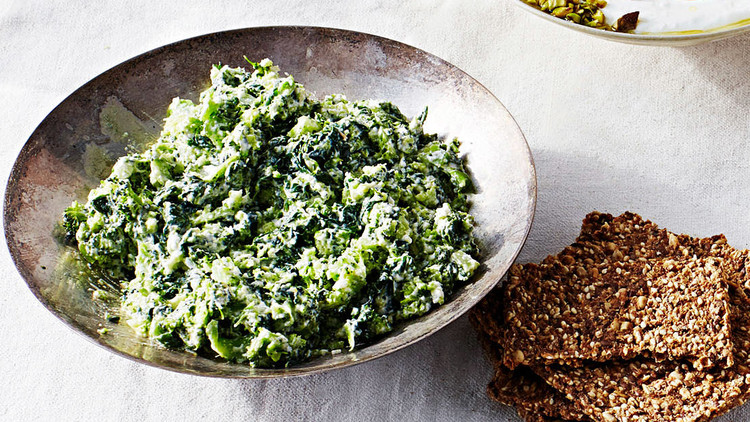 creamy broccoli spinach dip