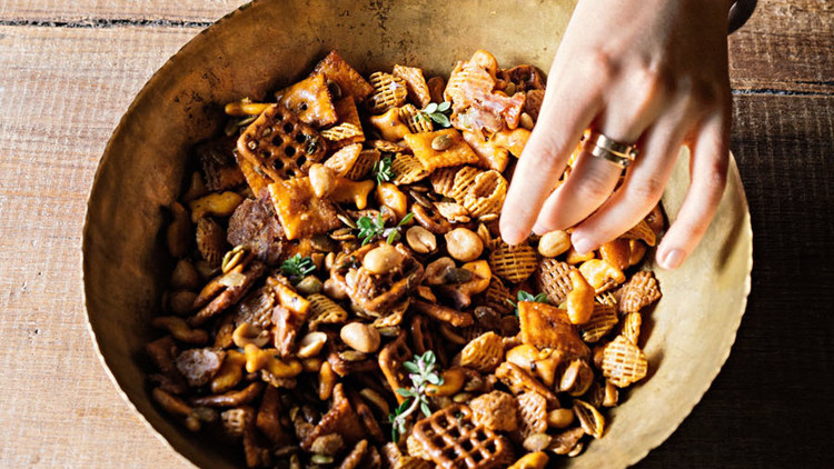 spicy sweet maple snack mix