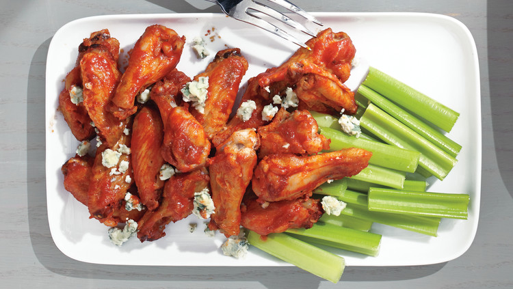 sriracha-buffalo-chicken-wings-371-d112539.jpg