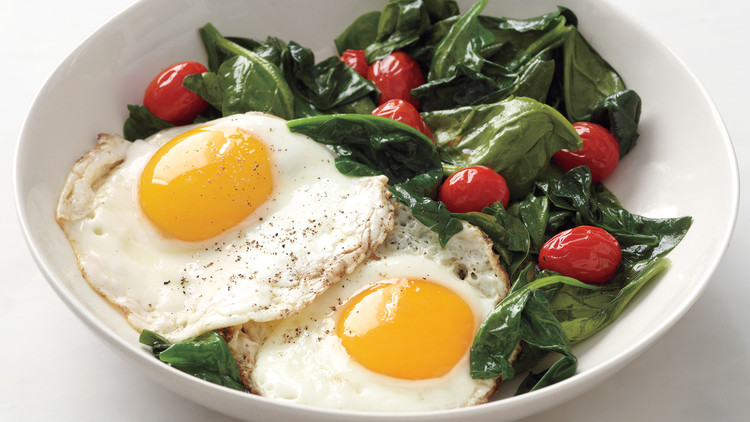 Eggs with Spinach and Tomatoes