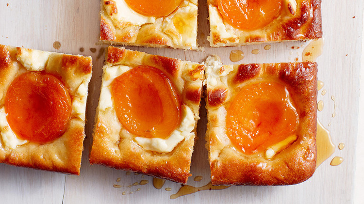 apricot and cream cheese squares