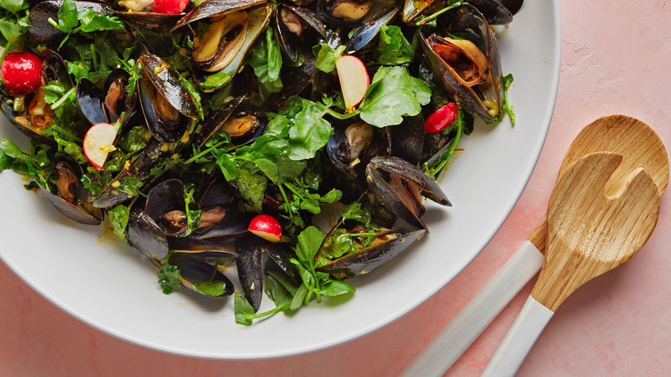 chilled mussel salad