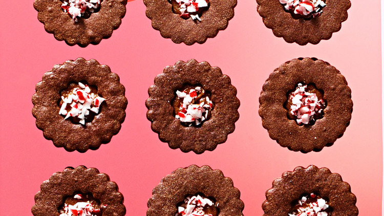double-chocolate-peppermint-sandwiches-102828333.jpg