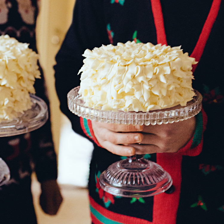 champagne cakes