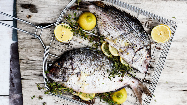 grilled whole fish lemon thyme