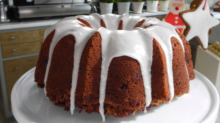 countdown-to-christmas-maple-walnut-cake-with-brown-sugar-frosting.jpg